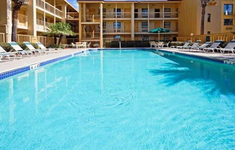 La Quinta Inn Orlando Airport West - Pool - 2