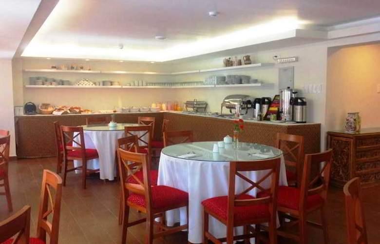 San Agustin Plaza - Restaurant - 11
