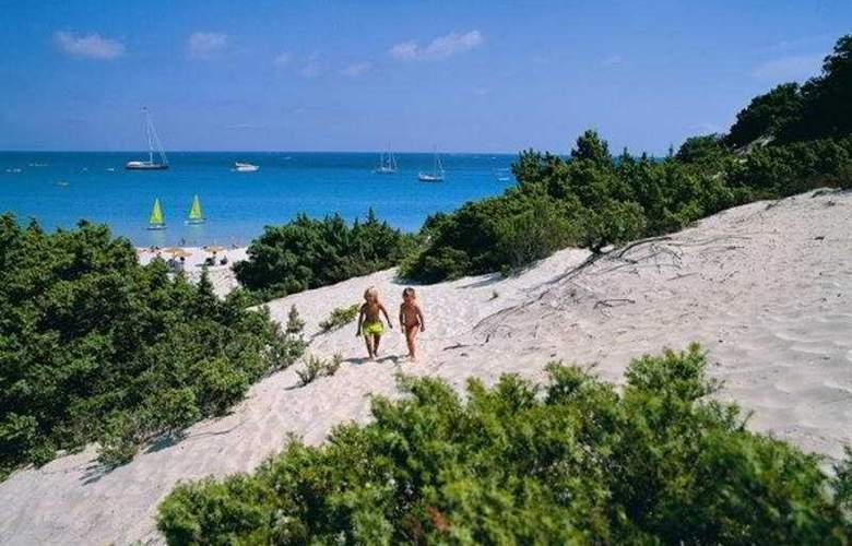 Tanka Village Golf & Spa - Beach - 3