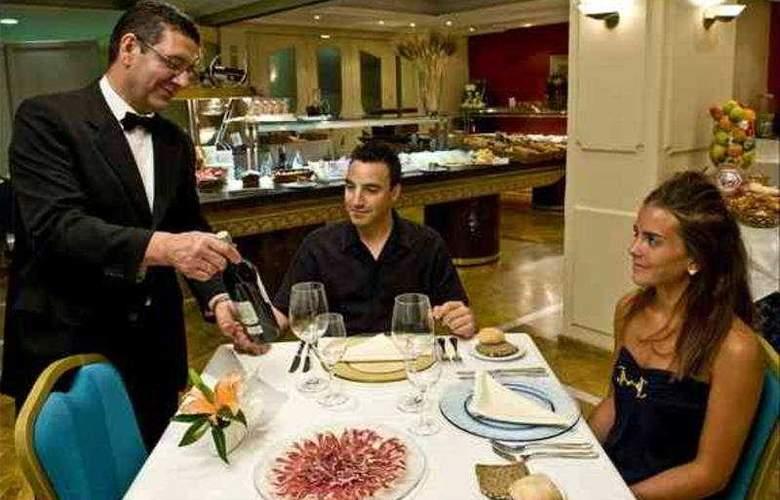 Corona de Granada - Restaurant - 10