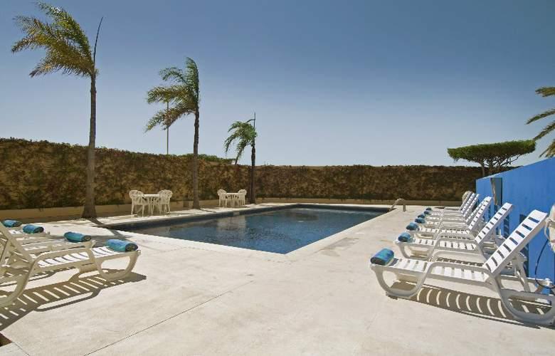 Fiesta Inn Tijuana Otay  - Pool - 3