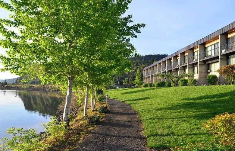 Best Western Plus Hood River Inn - Hotel - 31