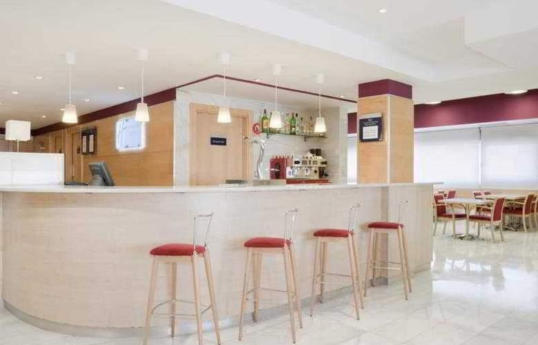 Holiday Inn Express Madrid Alcobendas - Bar - 7