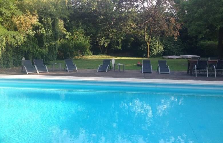 Best Western Cristallo - Pool - 68