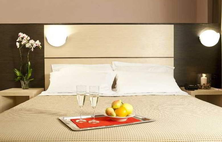CDH Hotel La Spezia - Room - 6