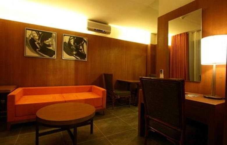 Crown Regency Beach Resort - Room - 2