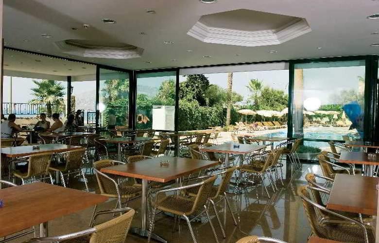 Elysee Hotel - Restaurant - 3