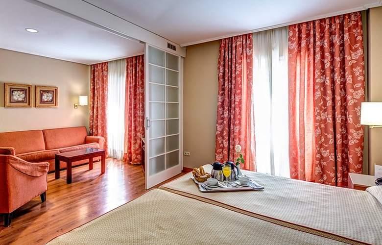 Ilunion Alcora Sevilla - Room - 7
