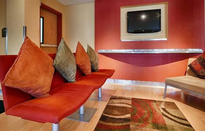 Best Western Plus Navigator Inn & Suites - General - 6