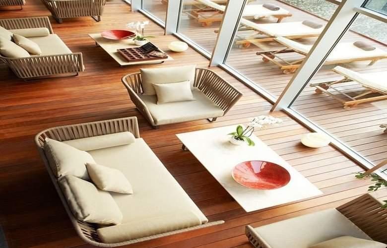 Le Meridien Ra Beach Hotel & Spa - Terrace - 69