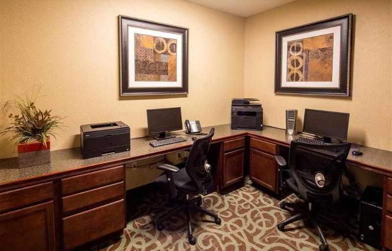 Best Western Plus Eastgate Inn & Suites - Hotel - 33