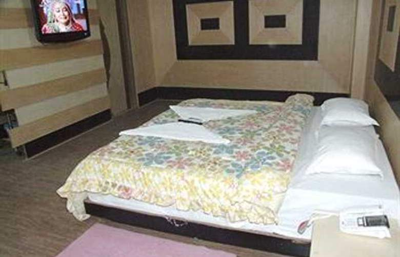 Delhi Heights - Room - 6