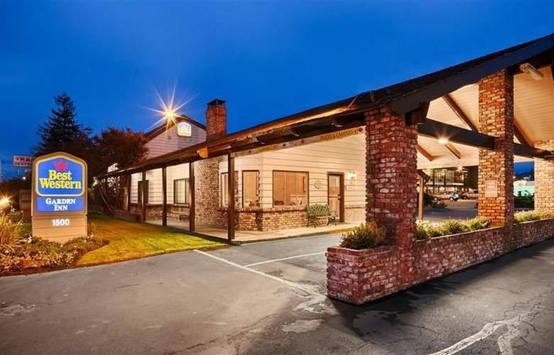Best Western Plus Garden Inn - Hotel - 10