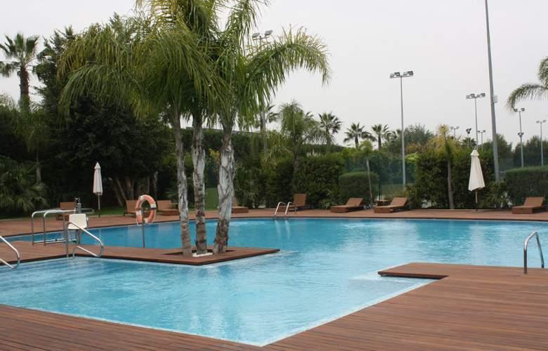 La Calderona Spa Sport and Club Resort - Pool - 1