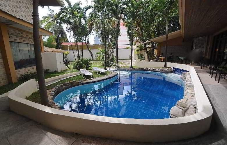 Vacation Hotel Cebu - Pool - 14