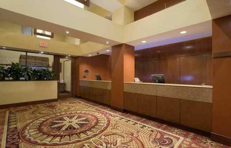 Hilton Mystic at the Aquarium - Hotel - 8