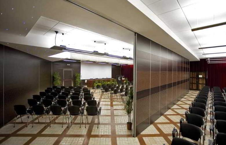 Calabona - Conference - 11