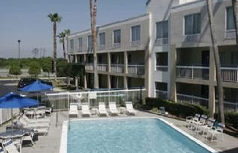 Ramada Orlando Near Convention Center - Pool - 0