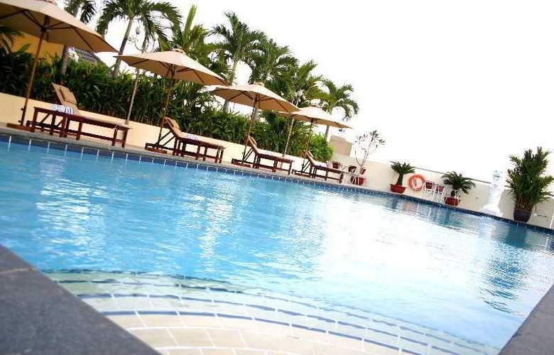 Ramana Hotel Saigon - Pool - 20