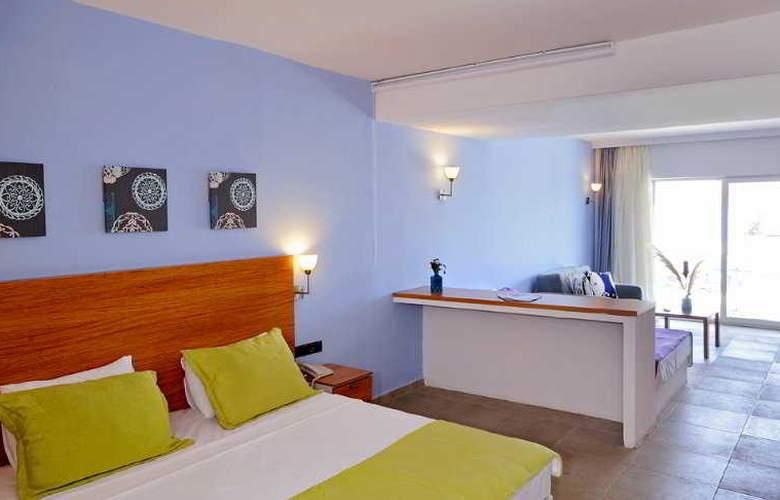 Javelin Beach Club & Spa - Room - 5