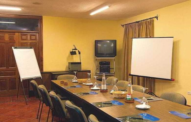 Refugio de Juanar - Conference - 8