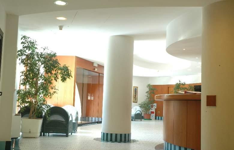 Club Esse Roccaruja - Hotel - 6