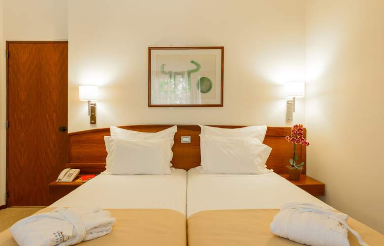Dom Carlos Park - Room - 8