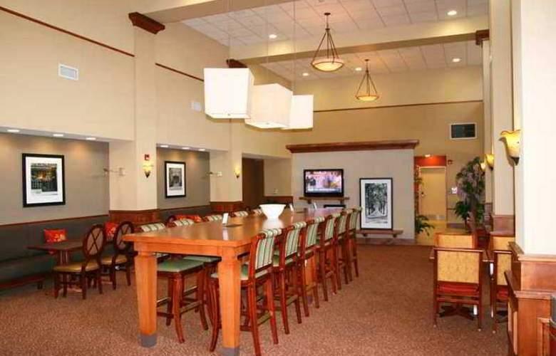 Hampton Inn & Suites Williamsburg-Central - Hotel - 0