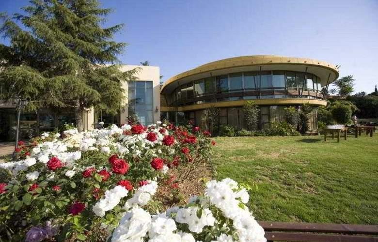Hacienda Forestview - Hotel - 0