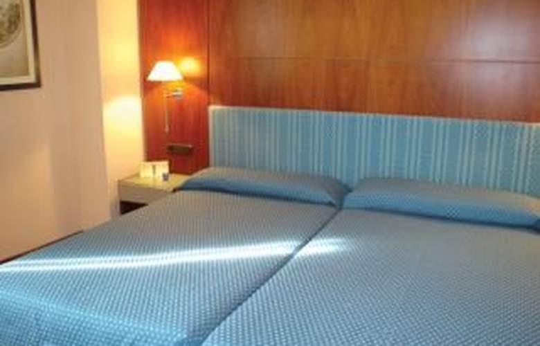NH Sevilla Viapol - Room - 4