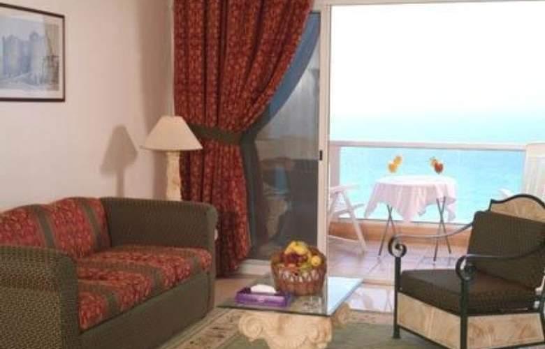 Landmark Suites Ajman - Room - 8
