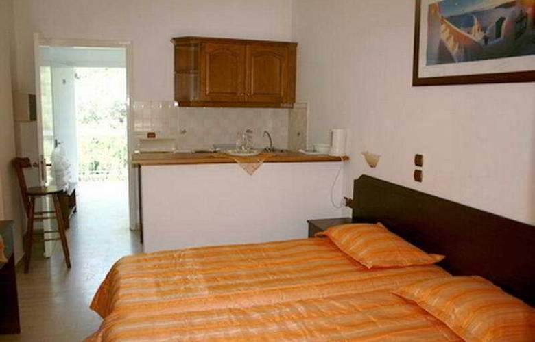Marina Apartments & Studios - Room - 4
