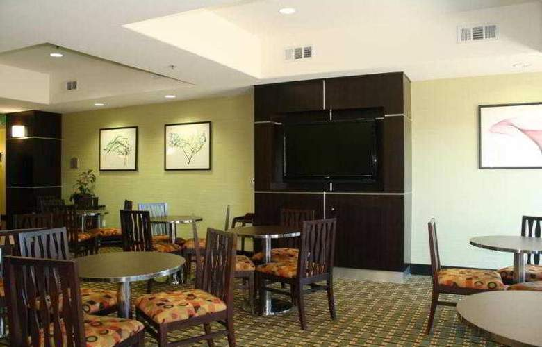 Comfort Suites - Hotel - 1