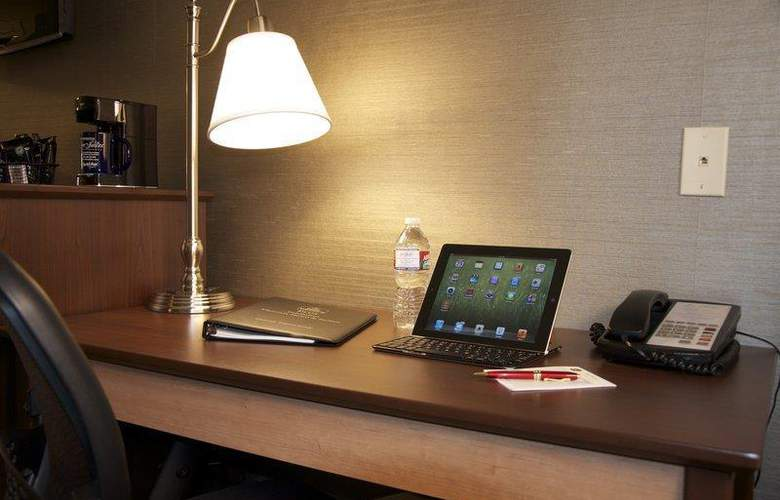 Best Western Plus Innsuites Phoenix Hotel & Suites - Room - 30