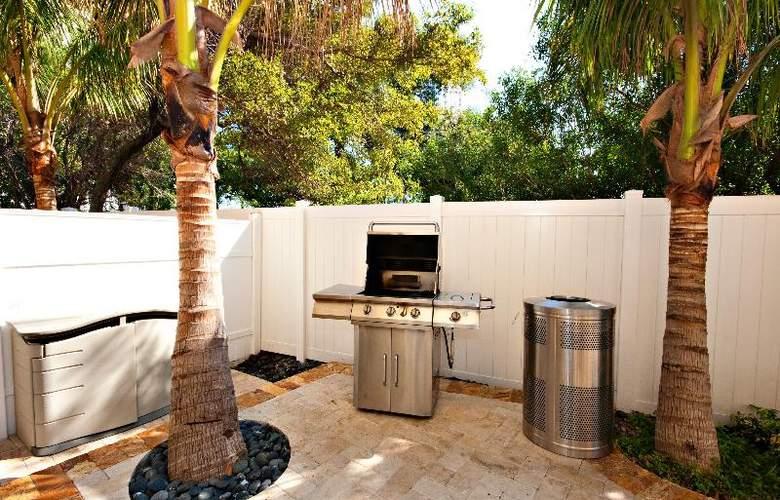 Wyndham Santa Barbara Resort - Extra Holidays - Terrace - 12