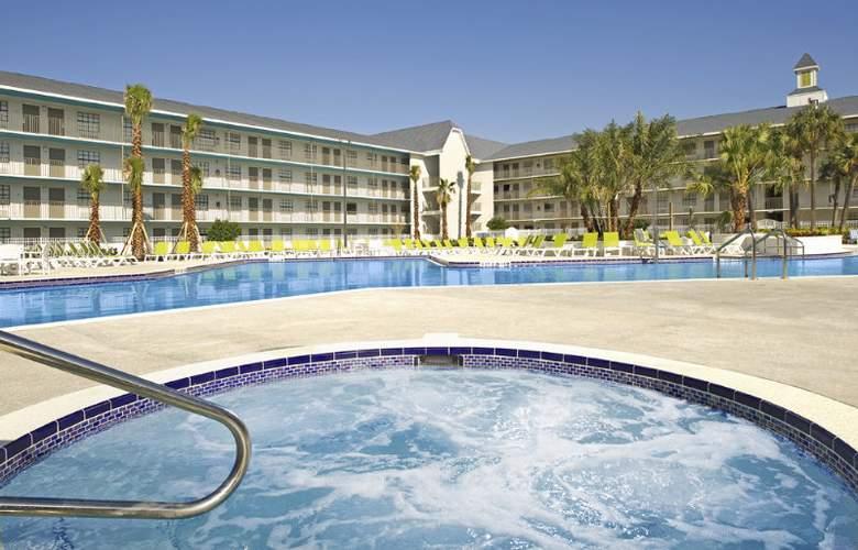 Avanti Resort - Pool - 6