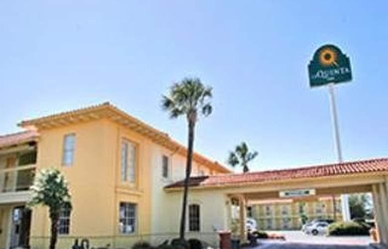 La Quinta Inn San Antonio South - General - 1