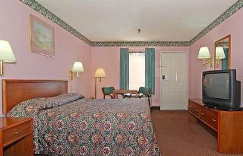 Econo Lodge & Suites - Room - 4