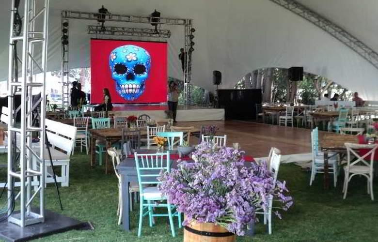 Villas Arqueologicas Teotihuacan - Conference - 26