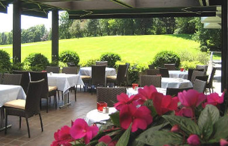Ramada Nuernberg Parkhotel - Terrace - 7