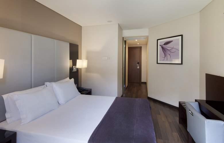 Turim Luxe - Room - 9