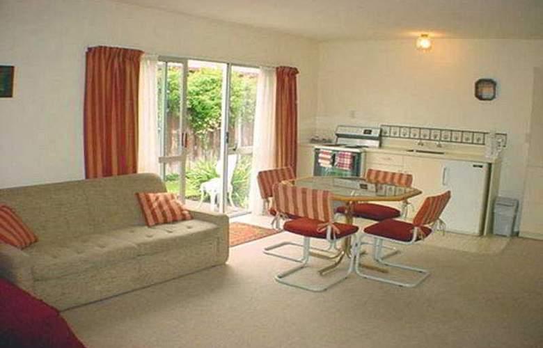Cranford Court Motel - Room - 1