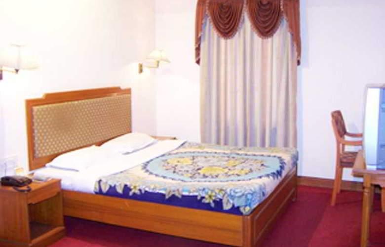 Aditi - Room - 6