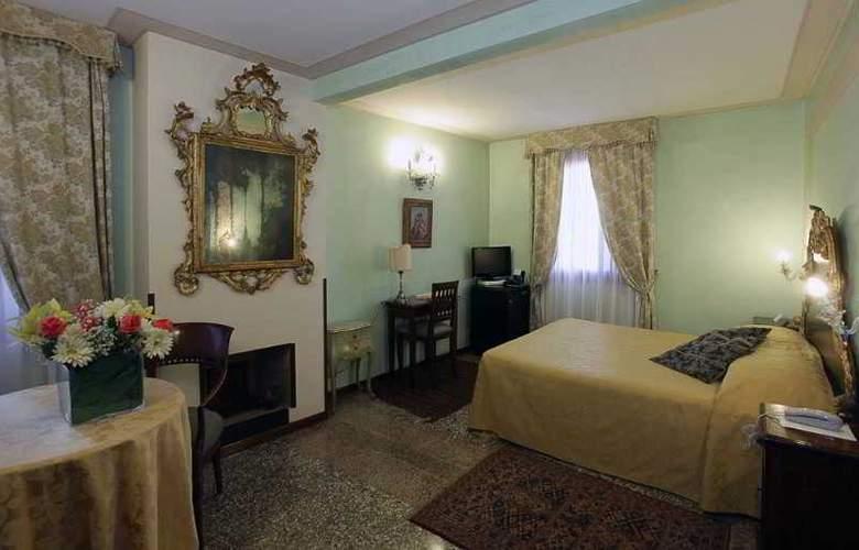 Marconi - Room - 2