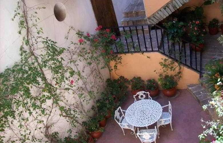 Hosteria Del Frayle - Terrace - 7