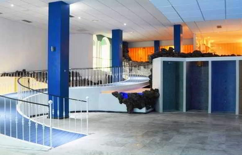 La Quinta Park Suites - Hotel - 1