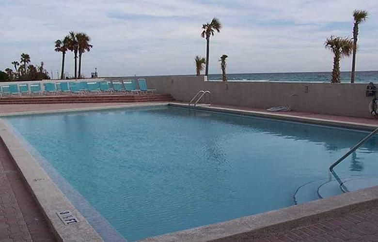 ResortQuest Rentals at SunDestin Beach Resort - Pool - 5