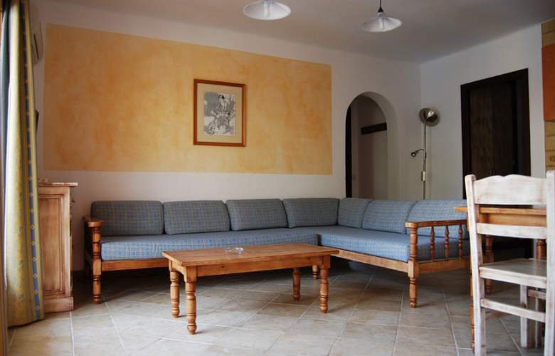 Playa Ferrera - Room - 12