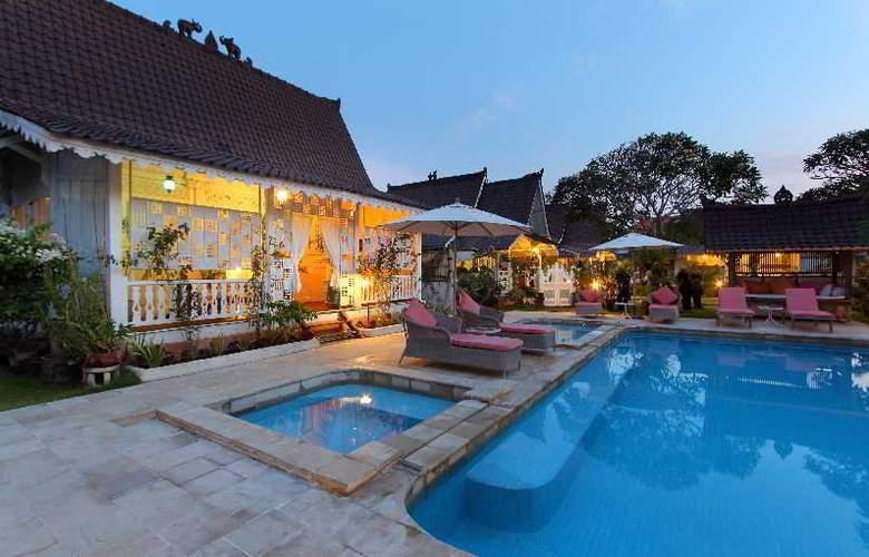 Hotel Puri Tempo Doeloe - Pool - 10
