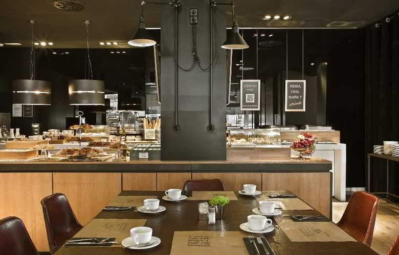 Grand Hotel Central - Restaurant - 25
